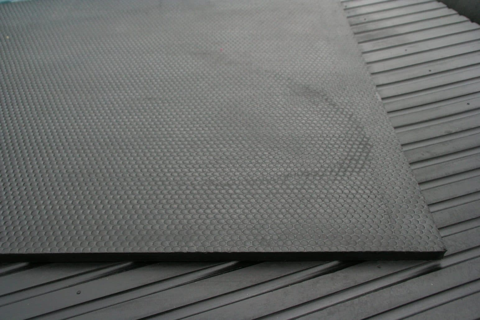 Hammer Top Broad Rib Rubber Mats Rubber Matting